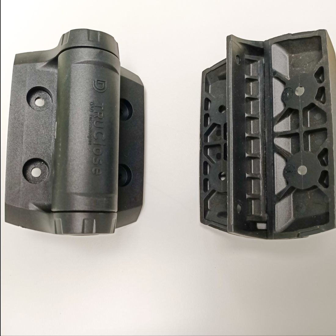 R Range Heavy Duty Pedestrain Gate Hinge Charcoal Black ELI-GATE-HVY-DHINGE