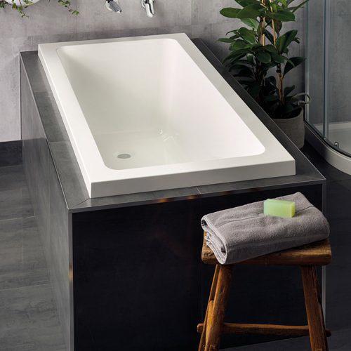 Bath 1675 x 750 x 470mm White Specify Upstand 0154000006U